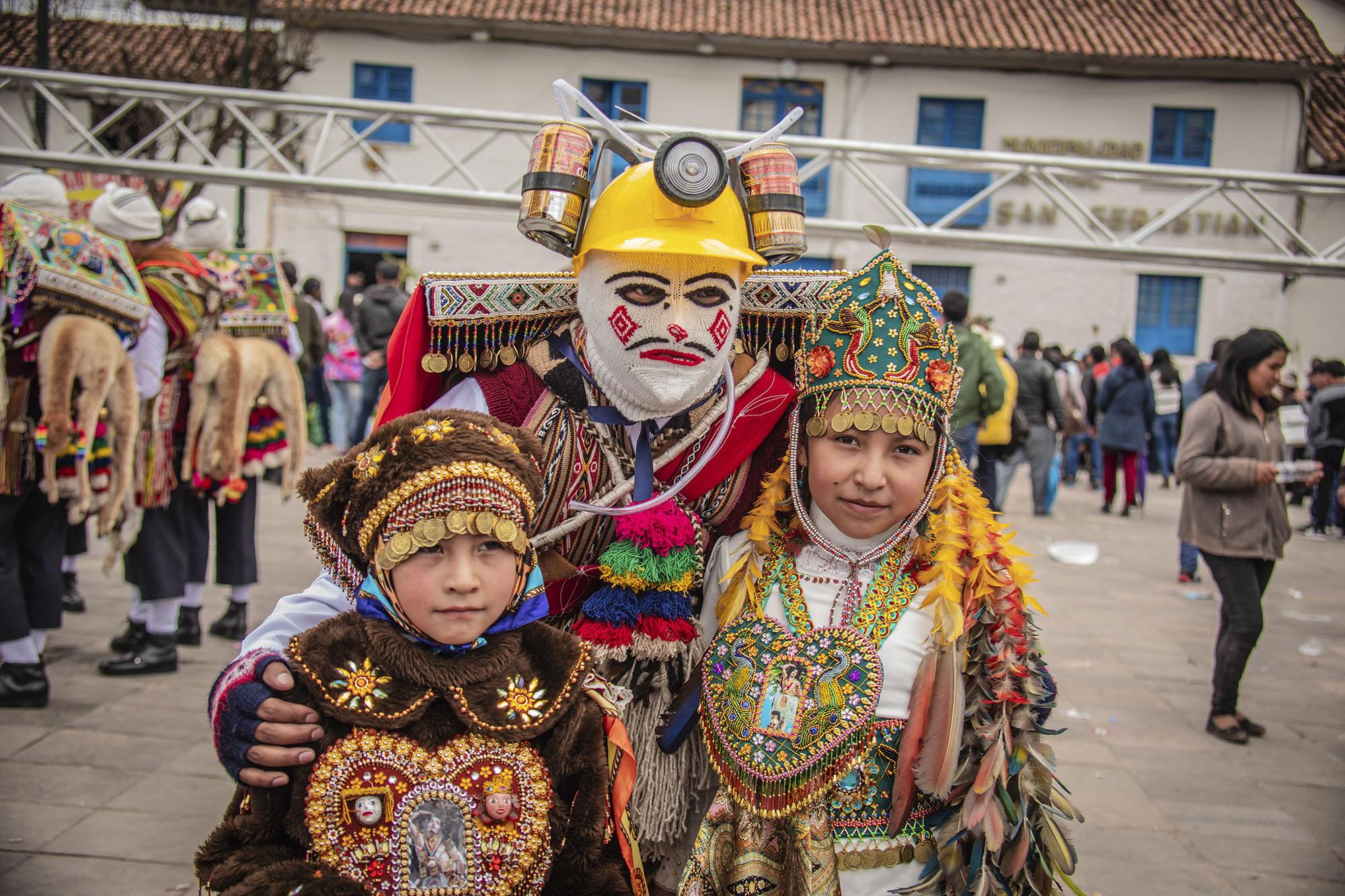 The festival of San Sebastian in Cusco in 8 colorful