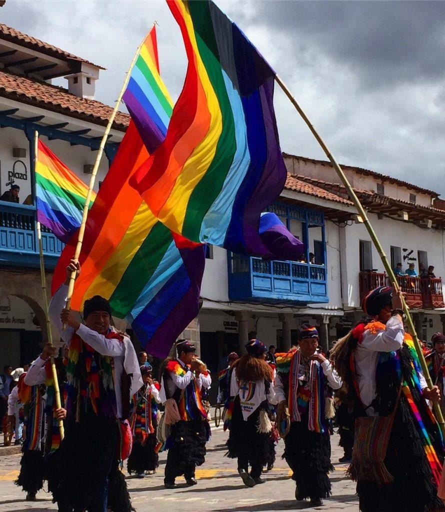 Photo by: @huntermatt. Pablitos of Tawantinsuyu nation using Cusquenian flag