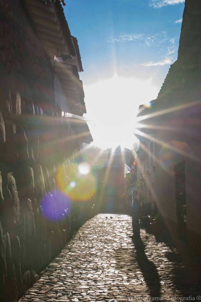 The sun illuminating the streets of Cusco (Inka Roka street)