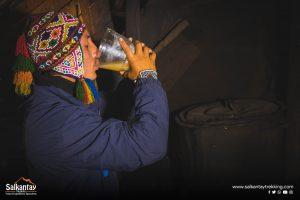 Luiggi Peralta Mora drinking chicha