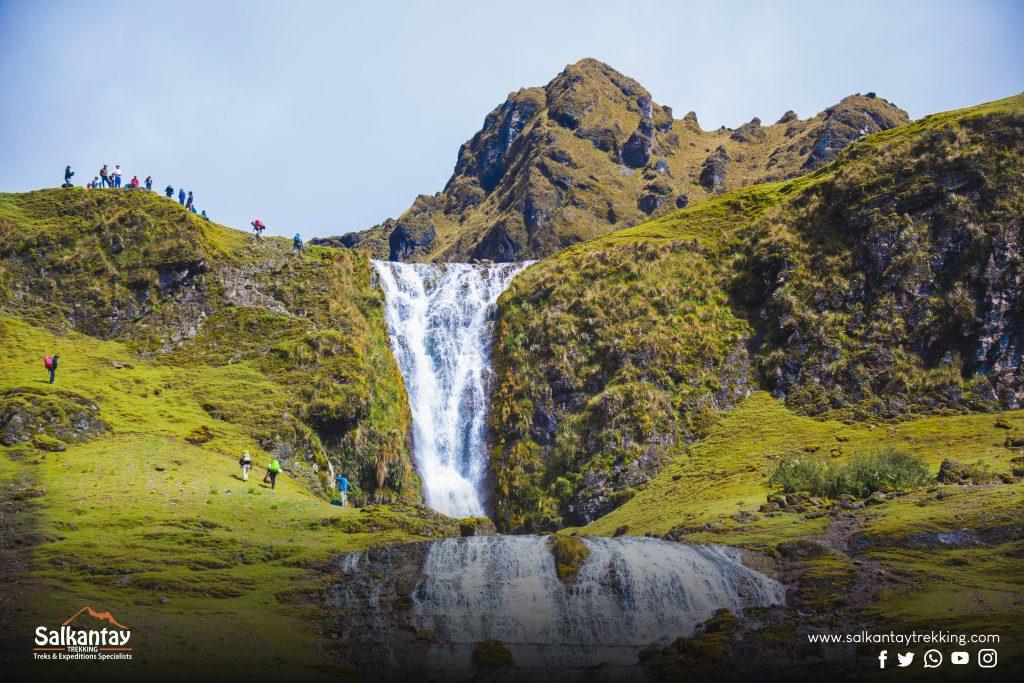 Beautiful waterfall on lares trail