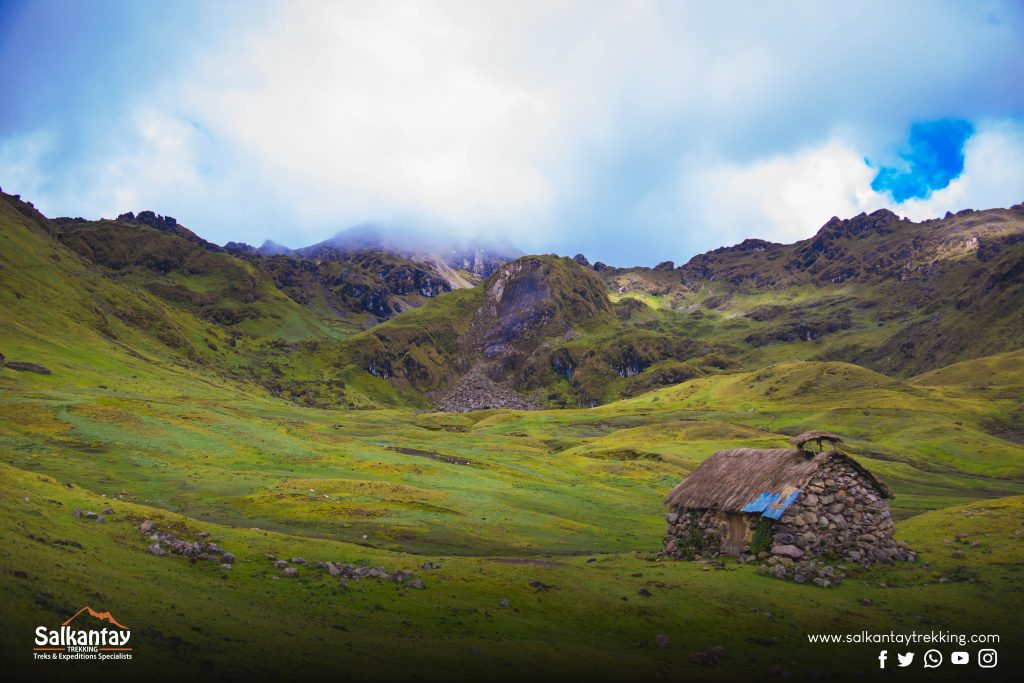 Pirqa, little house in Lares