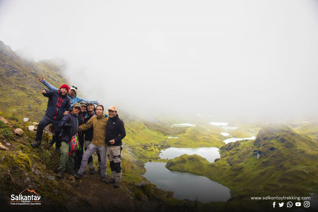 Group of people on Lares trail