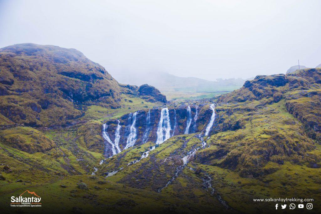 Qanchispaccha waterfall in Lares trail