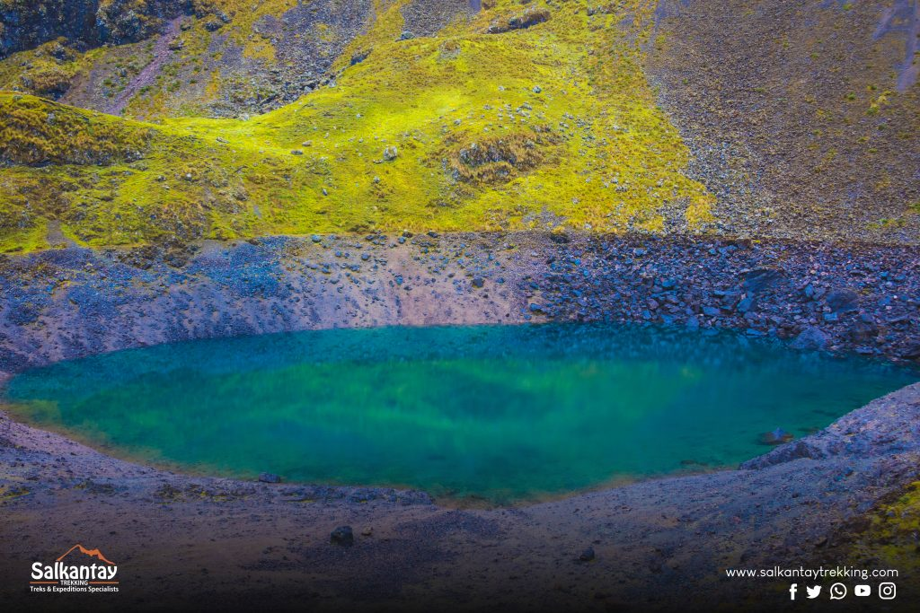Blue lagoon at Lares trail