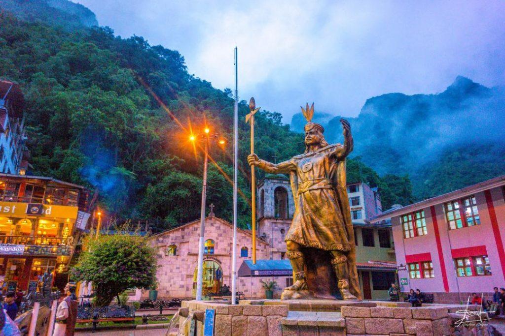Inca statue in Aguas Calientes