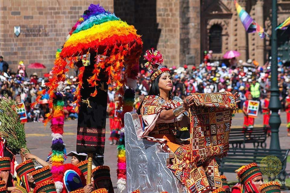 Inka queen at Cusco main square