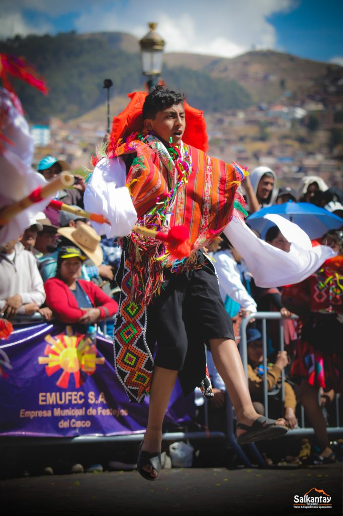 Wallatas dancers have colorful costumes
