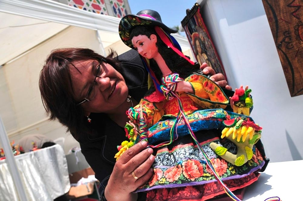 can-buy-traditional-handmade-crafts