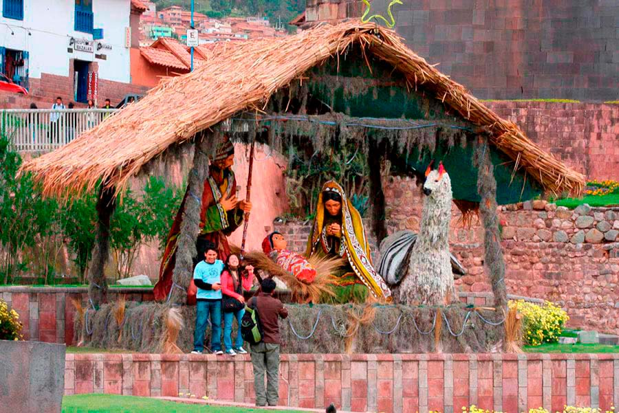 christmas-can-see-scenes-nativity-scenes-squares-cusco