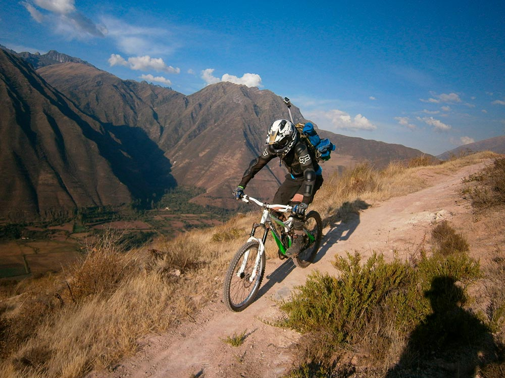 love-routes-amazingly-beautiful-andes-mountain-biking