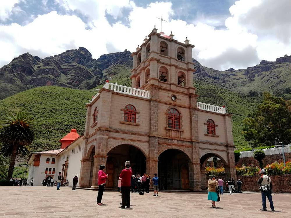 temple-lord-huanca-located-slopes-sacred-pachatusan