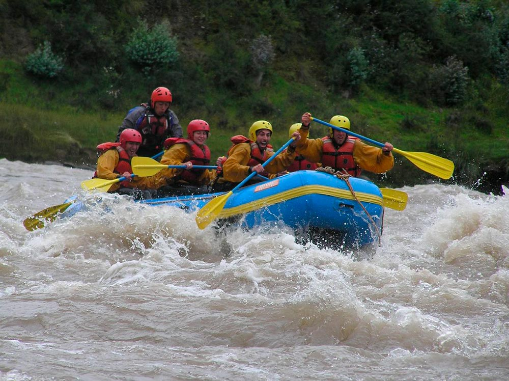 urubamba-river-offers-great-experience-doing-rafting