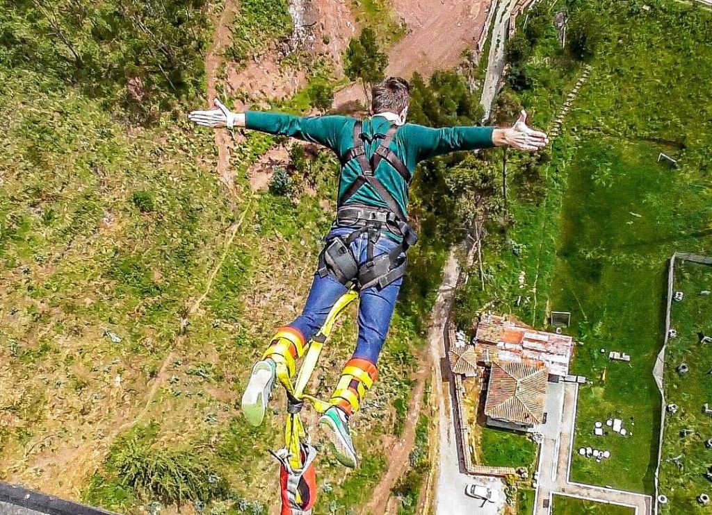 Bungee jumping sacred valley