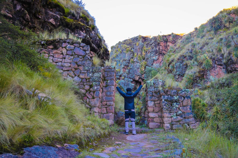 Huchuy Qosqo Trek , alternative route to Machu Picchu