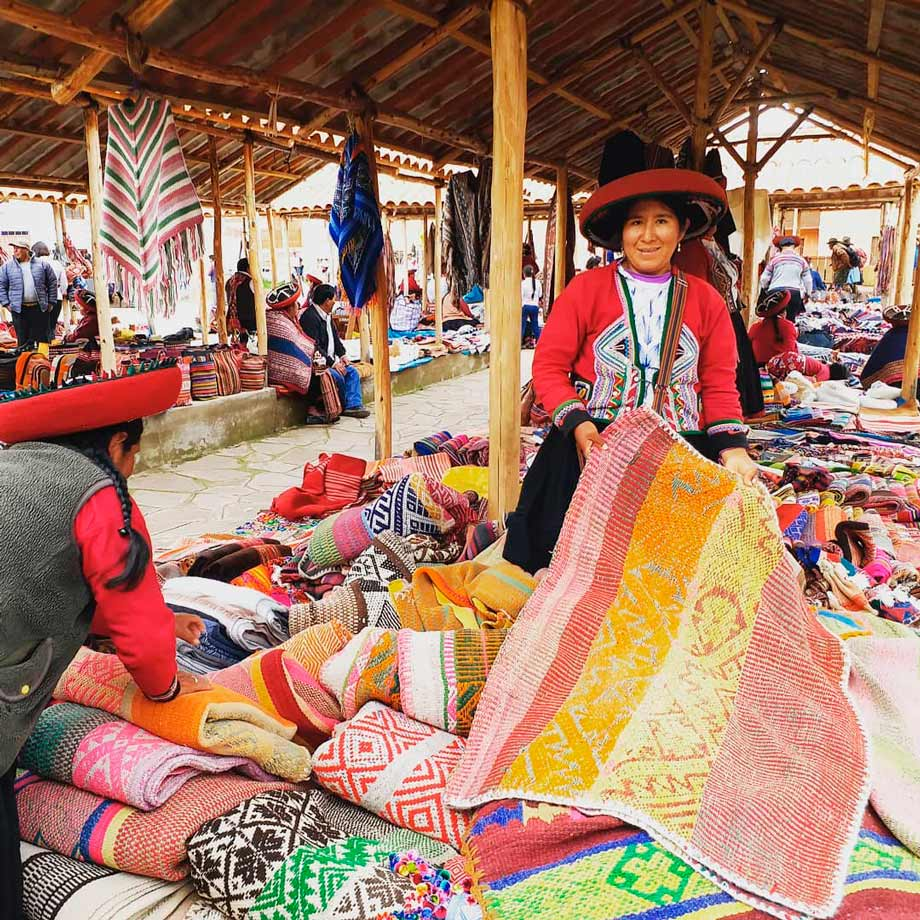 Witness the Colourful Textiles in Chinchero, Sacred Valley