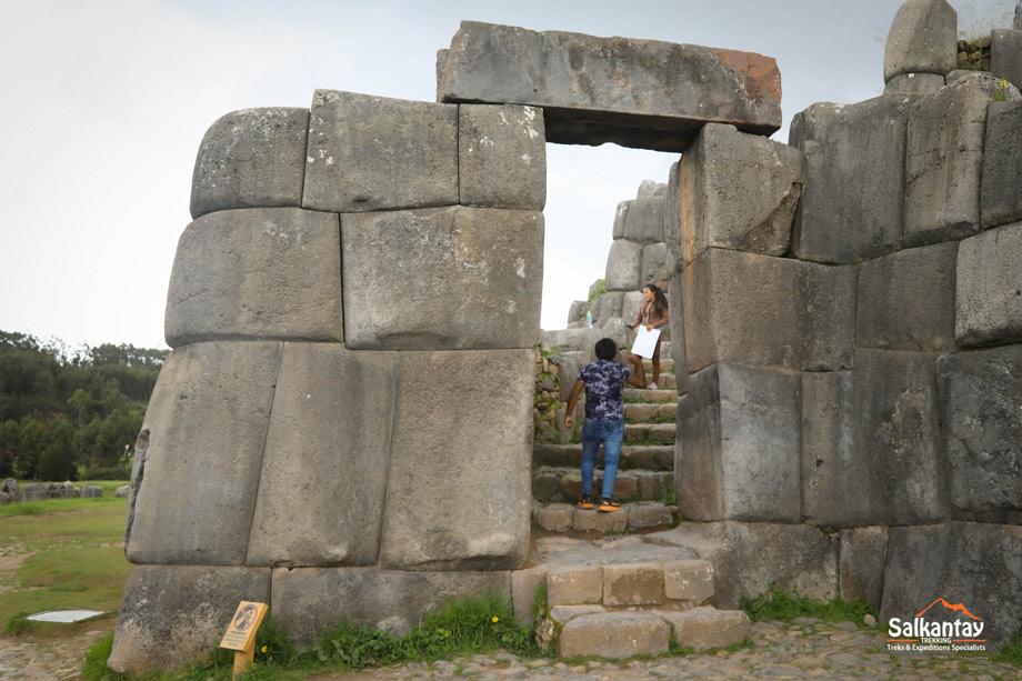 Classec incan door  in Sacsayhuaman