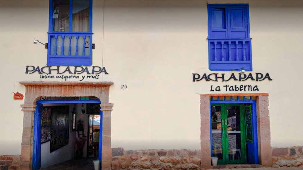 Pachapapa restaurant is located 7 min walk from the Plaza de Armas. It is a very nice place, with typical decoration.