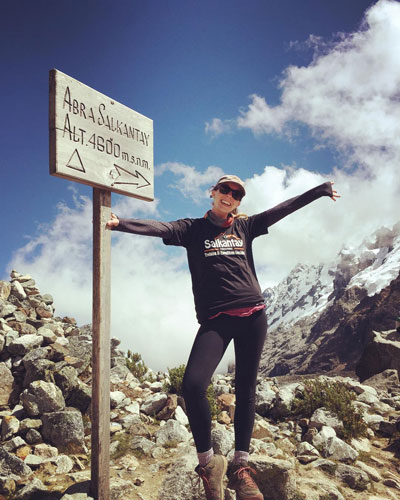 Woman achieving her goal: to arrive to the Salkantay Pass @hello_clairice