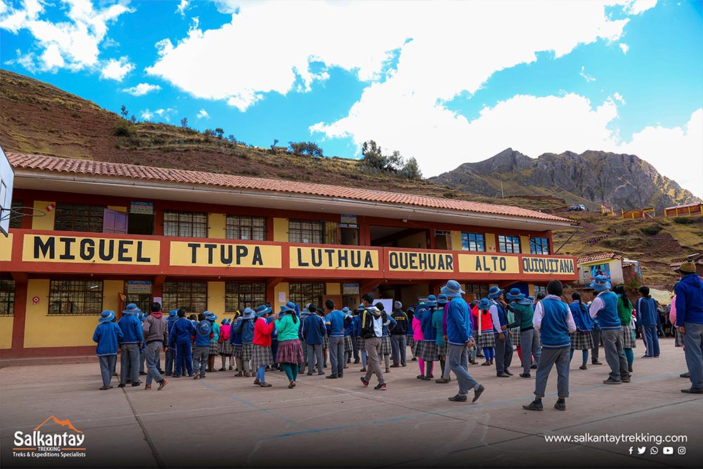 hite teeth social cusco